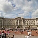http://www.reisnaarlonden.nl/wp-content/uploads/2013/11/Buckingham-Palace-36723.jpg
